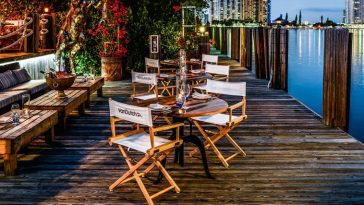 lique-waterfront-dining-lounge-outdoor